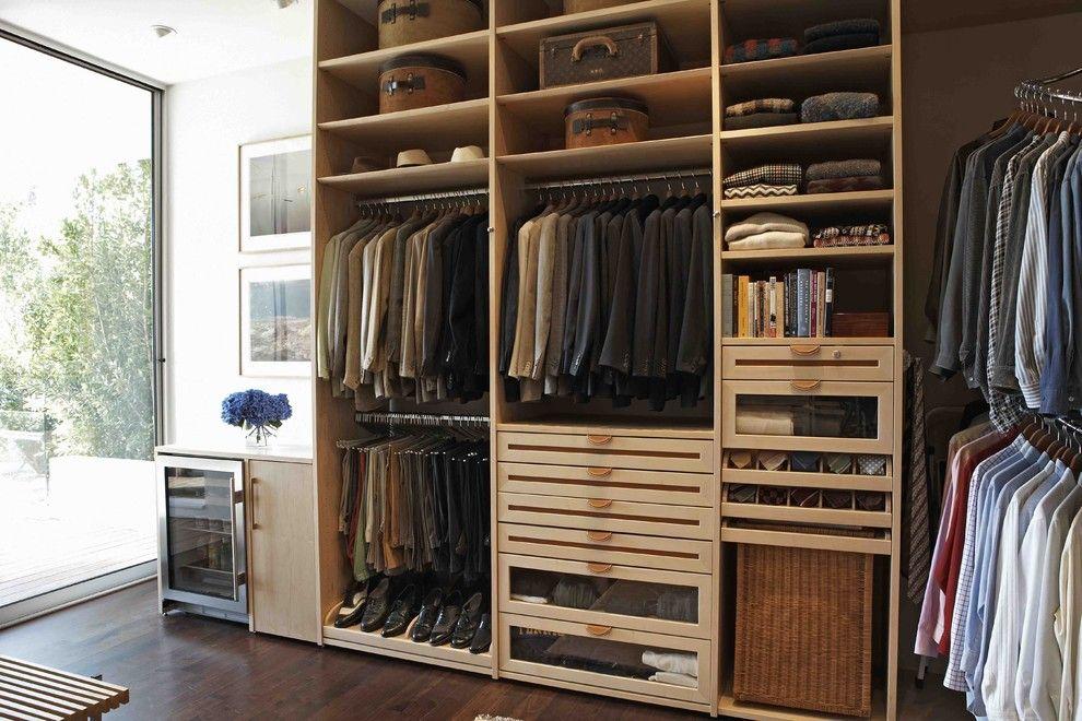 The Living Space Closet HIS modern closet los