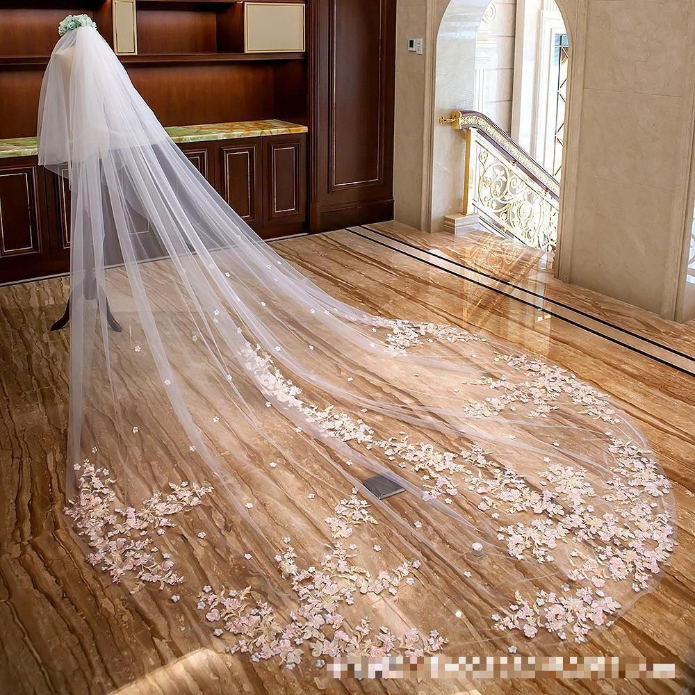 Fenghuavip 1T Long Cathedral Wedding Veil Lace Appliques Bridal Veils with Comb