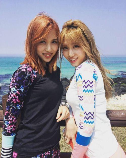 Twice Mina and Momo