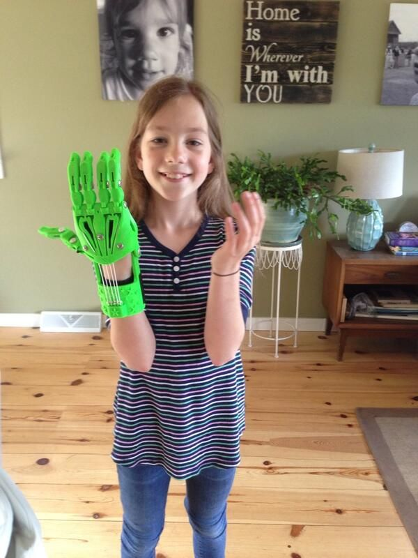 10-Year-Old Girl Assembles Her Own Fully Functional 3D Printed Hand ...