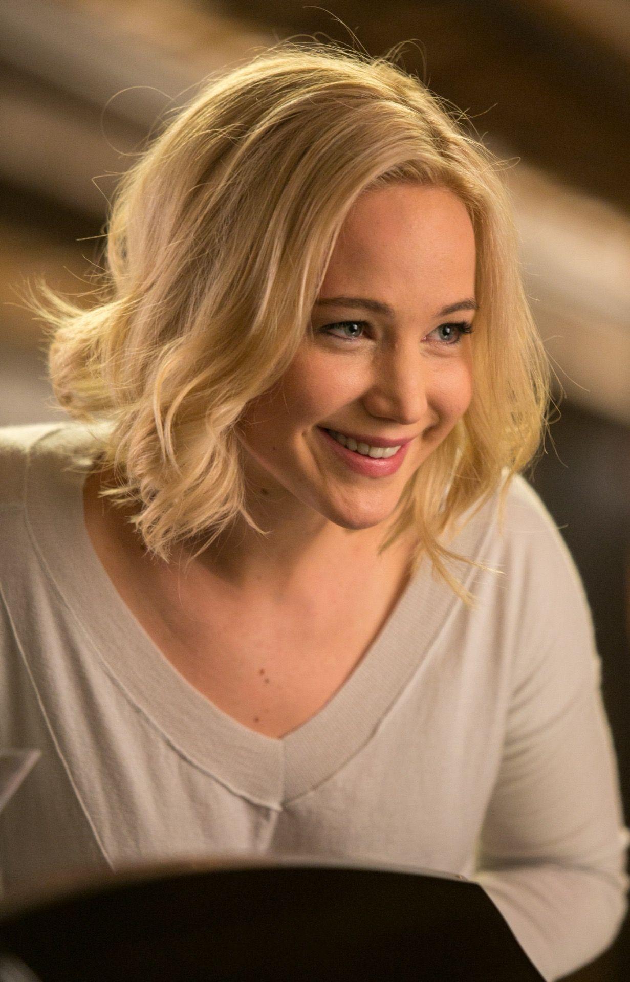 "Jennifer Lawrence as Aurora Lane in ""Passengers"" (2016) || | Jennifer  lawrence, Jennifer lawrence pics, Jennifer lawrence dating"