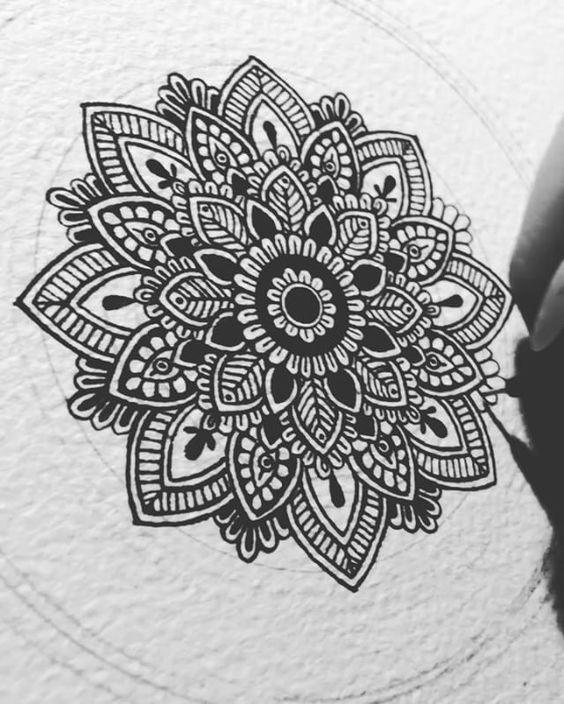 Jul Calms Me Down Always Detailing Murderandrose Mandala Mandalas Zeichnen Mandala Kunst Mandala Malen Lernen