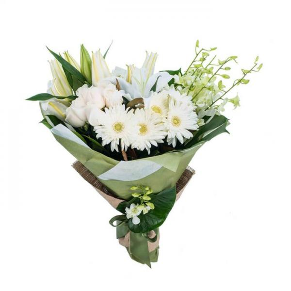 When It Comes To Timeless Elegance You Can T Beat This Grouped Bouquet Of Pure Blooms Everl Flower Bouquet Delivery Flower Delivery Bouquet Delivery