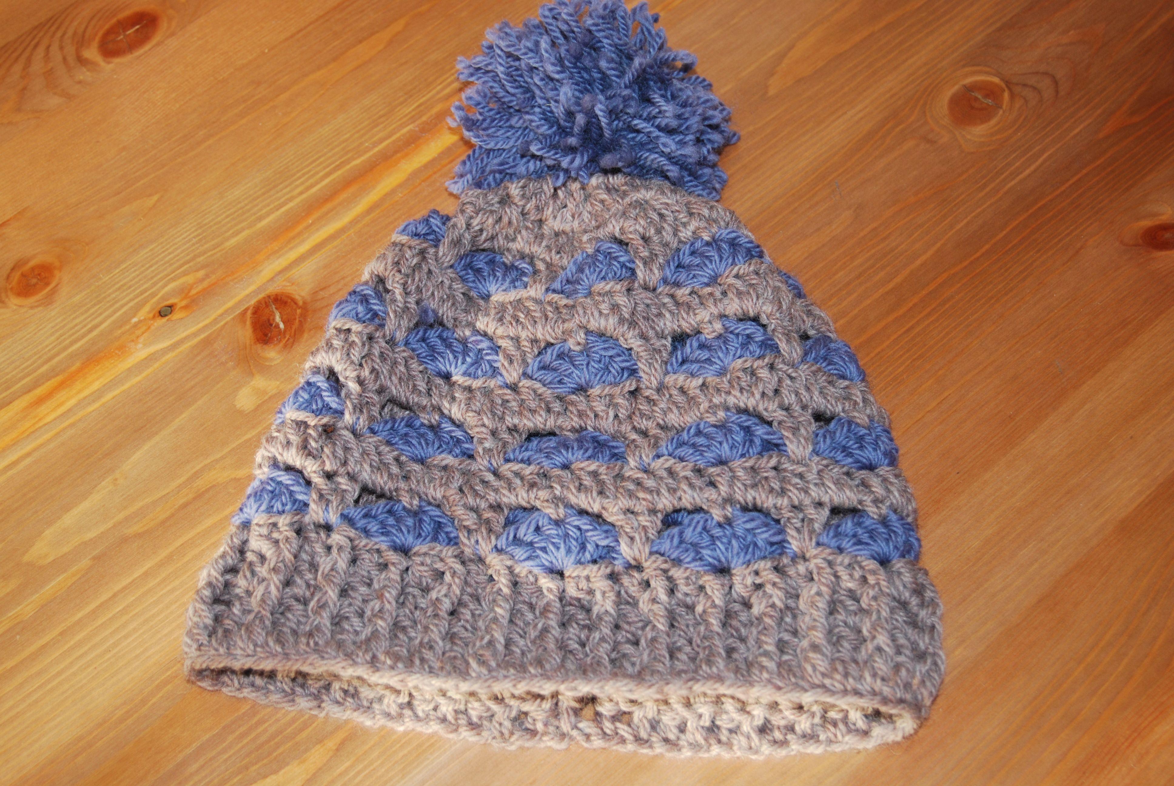 Gorro (patrón de red heart yarn) realizado a crochet con Drops ...