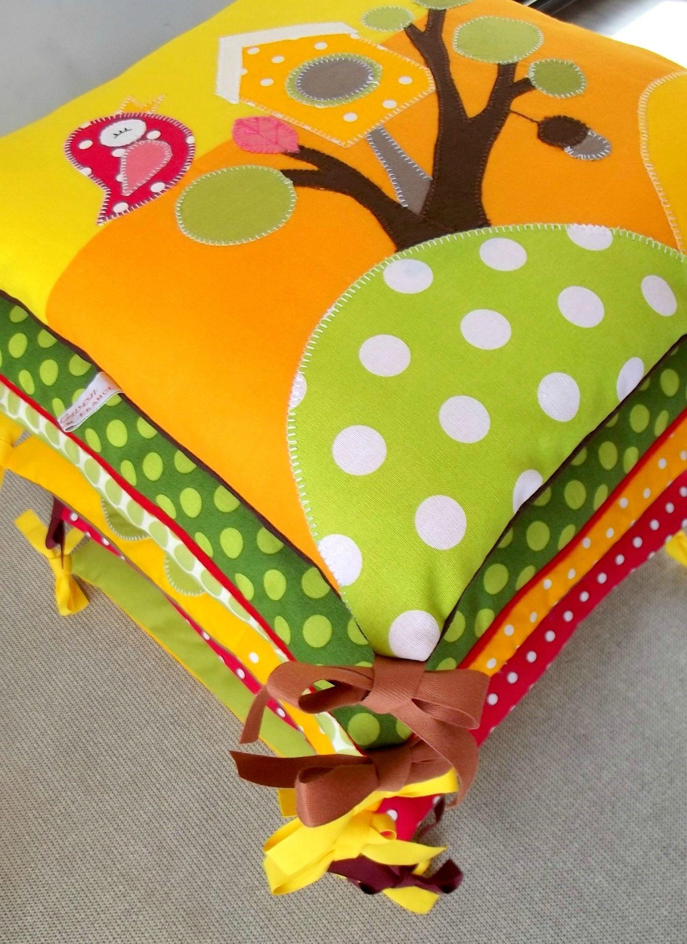 for t enchant e creagwen sewing pillows and tour de lit. Black Bedroom Furniture Sets. Home Design Ideas