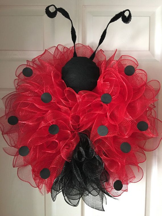 whimisical ladybug deco mesh wreath lady bug couronne. Black Bedroom Furniture Sets. Home Design Ideas