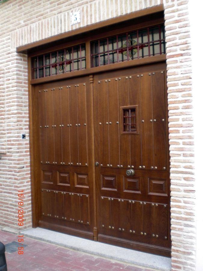 Pin de enrique eguiza en casas de campo puertas puertas for Puertas y portones de madera