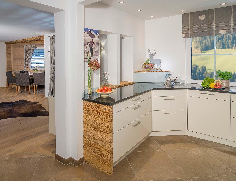 Landhausküchen planen und einrichten Küche mit Blick in