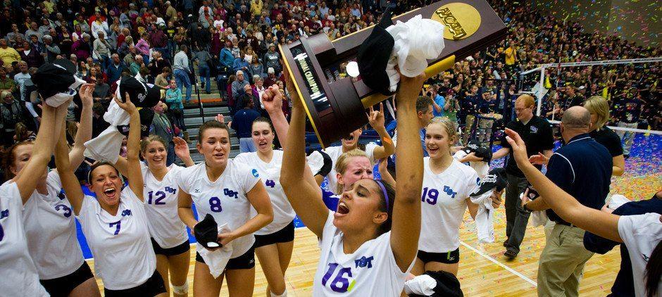 Ncaa Division Iii National Volleyball Champions Tommienation Champion Volleyball Basketball Court