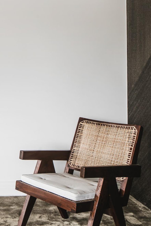 How do you make a good first impression?  #srelle #jeanneret #chair #chandigarhdesign #design #minimal #simple #timeless #naturalmaterials #interiors #home #room #interiorinspiration #statement #statementpiece
