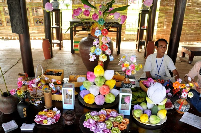 Thanh Tien Paper Flower Village is one of the traditional village in Hue.