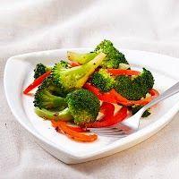 Receta-Brócoli y Pimientos http://recetassvegetarianas.blogspot.com/