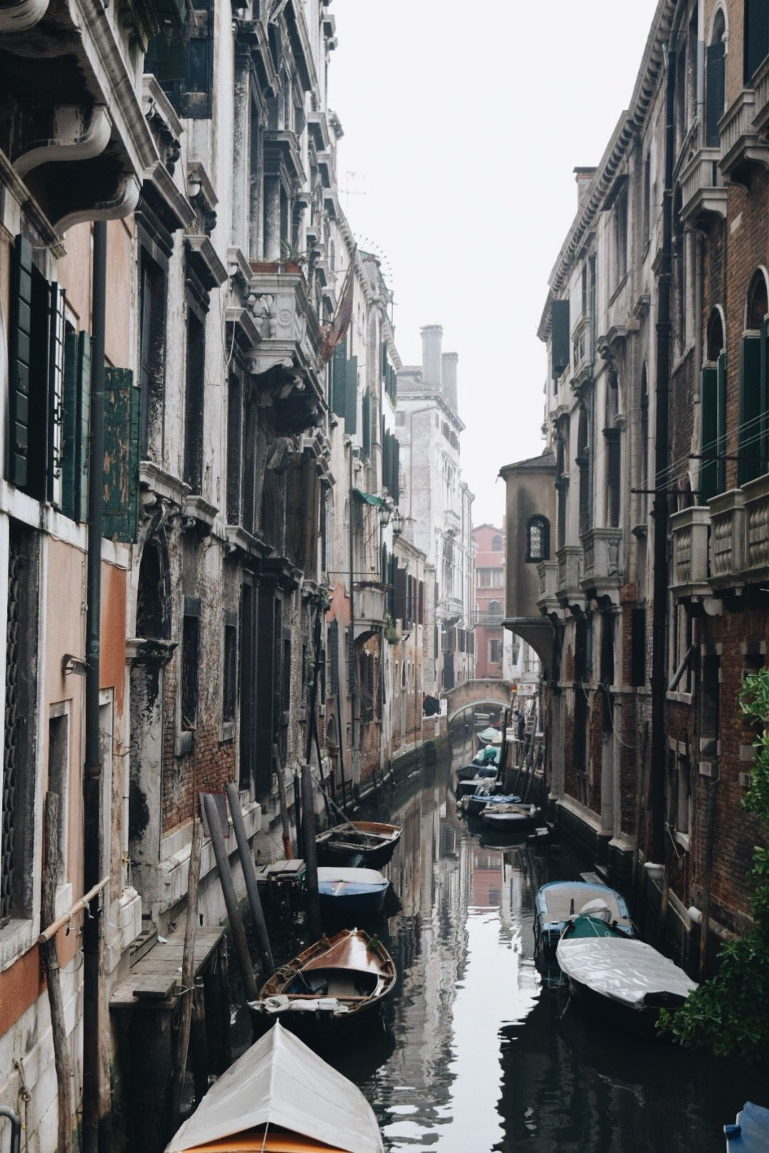 italy ! canals ! sinking city ! travel ! | Travel | adventurer in