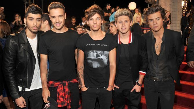 Photo of One Direction Makes History on U.S. Album Chart, Toppling Taylor Swift #onedirec…