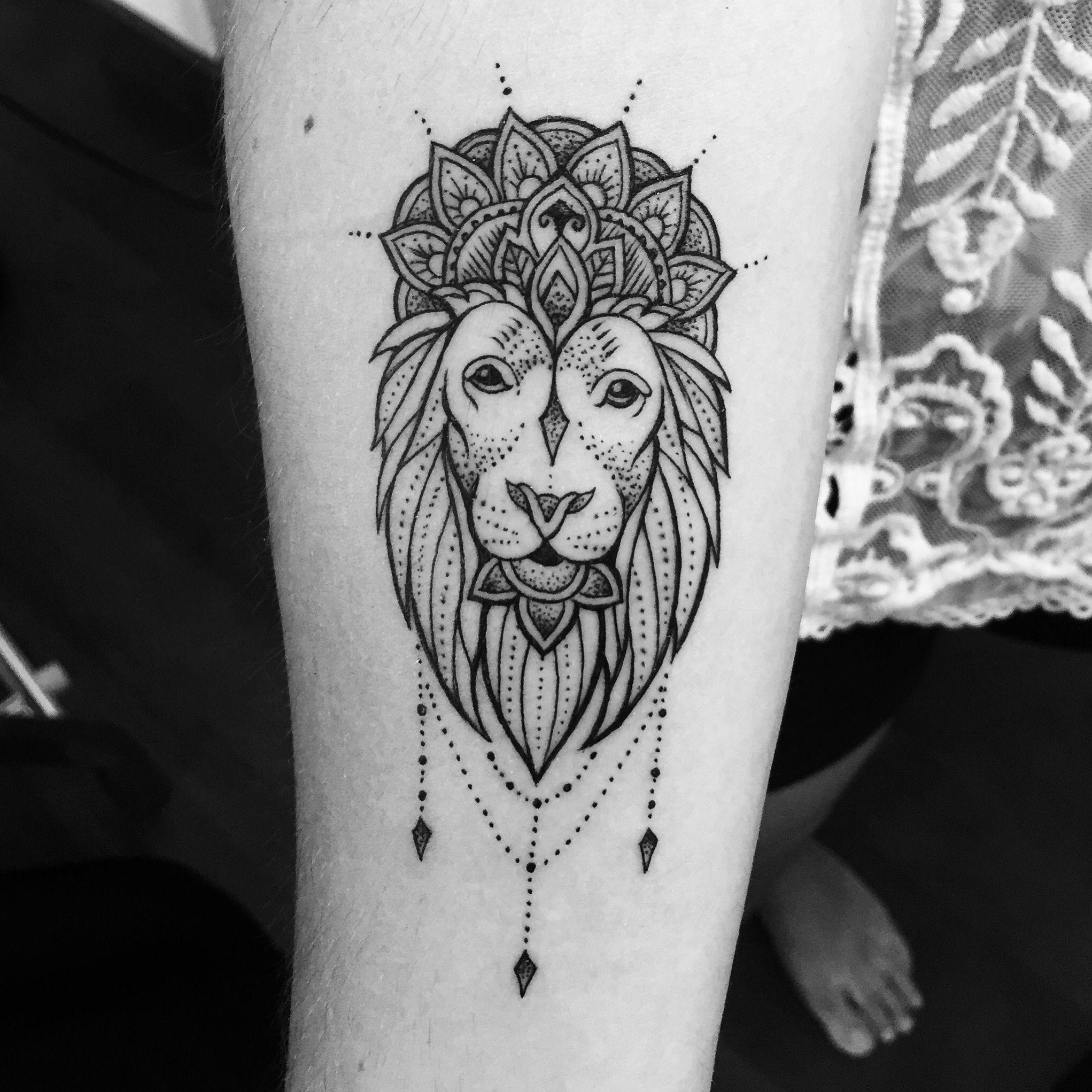Lion Mandala Tattoo Mandala And Henna Tattoo Tatowierungen