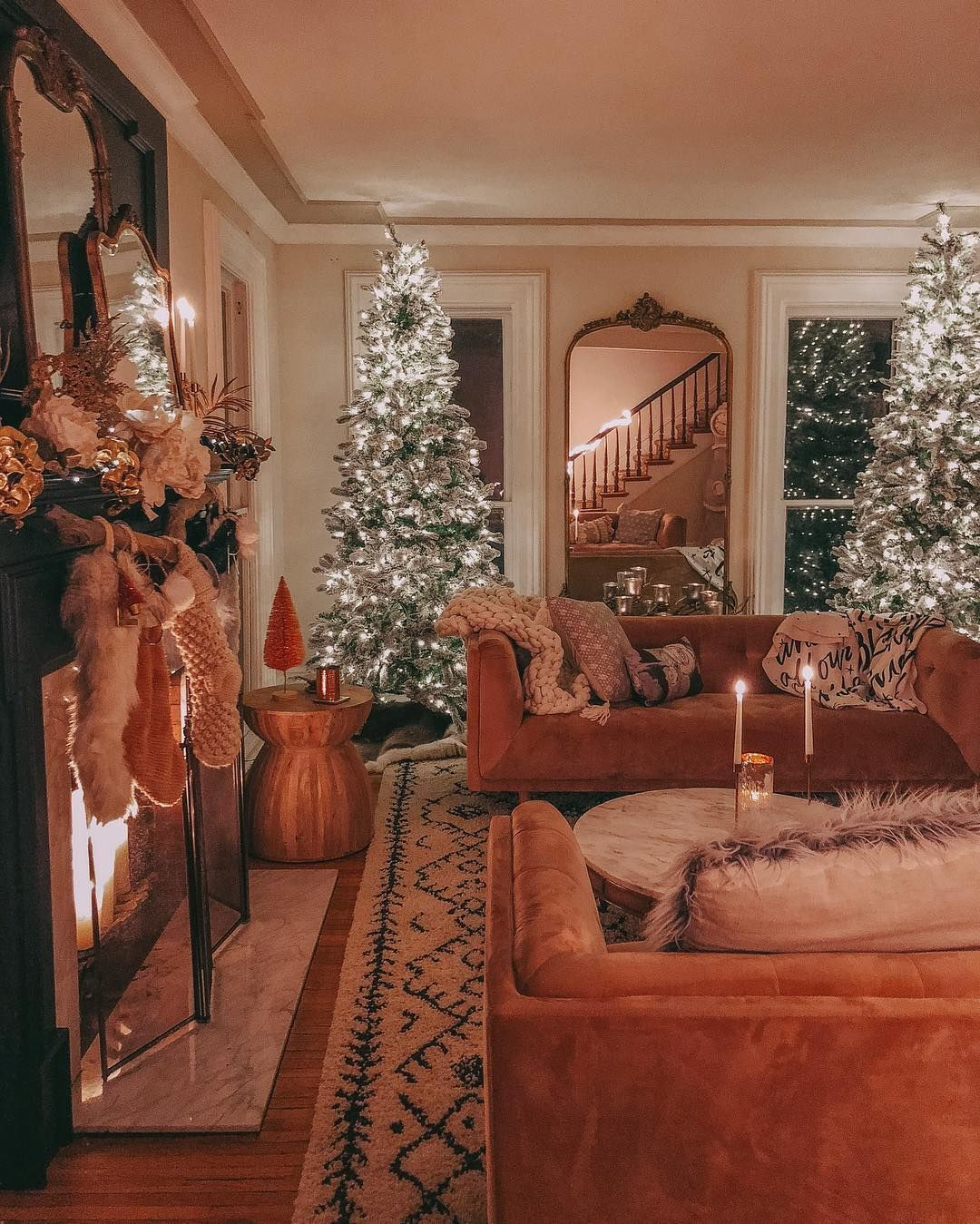 I Dont Think I Would Ever Leave This Room Christmas Living Rooms Christmas Fireplace Decor Christmas Decorations Living Room