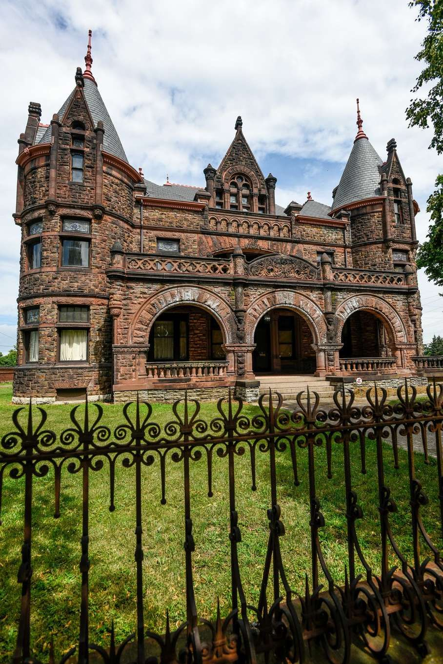 Owners of the Sorg Mansion on Main Street in Middletown are ...
