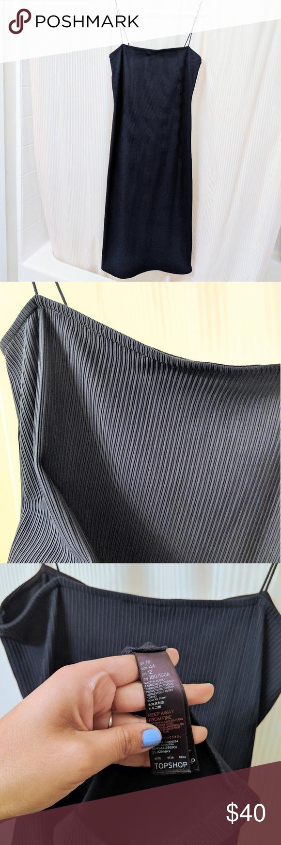 252c4c30b1 TOPSHOP Ribbed Strappy Spaghetti Dress RN 125 149 RN 125 149 Gorgeous dress  it's navy blue