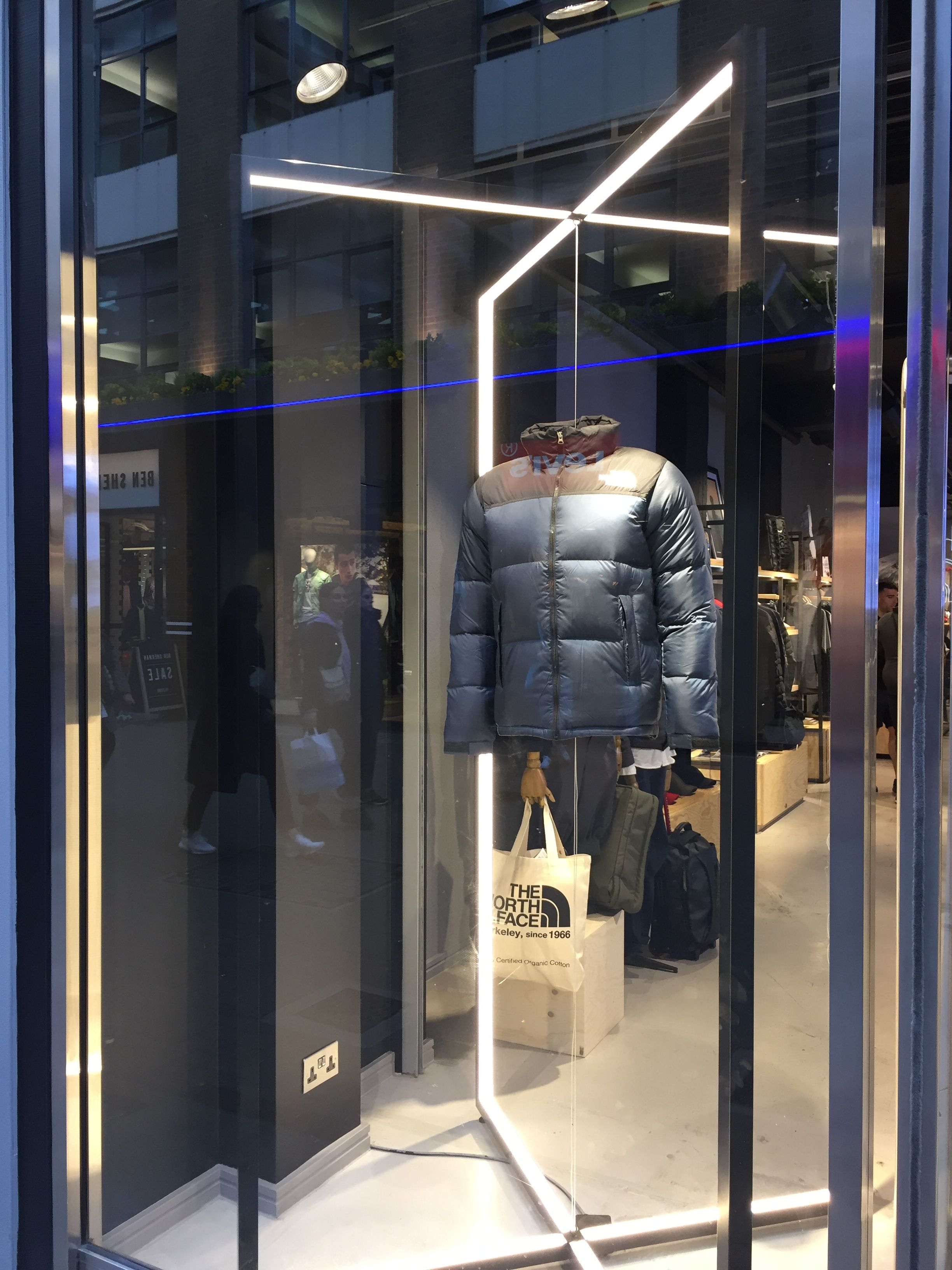 ac310005dc285 The North Face store - Carnaby Street, London | Exhibition & Museum ...
