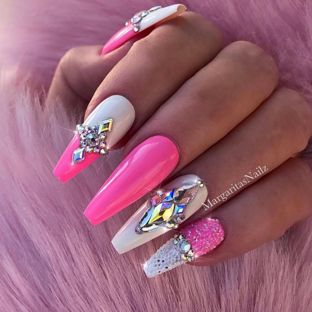 32 Super Cool Pink Nail Designs That Every Girl Will Love Pink Acrylic Nail Ideas Pink Bling Nails Luxury Nails Pink Nails