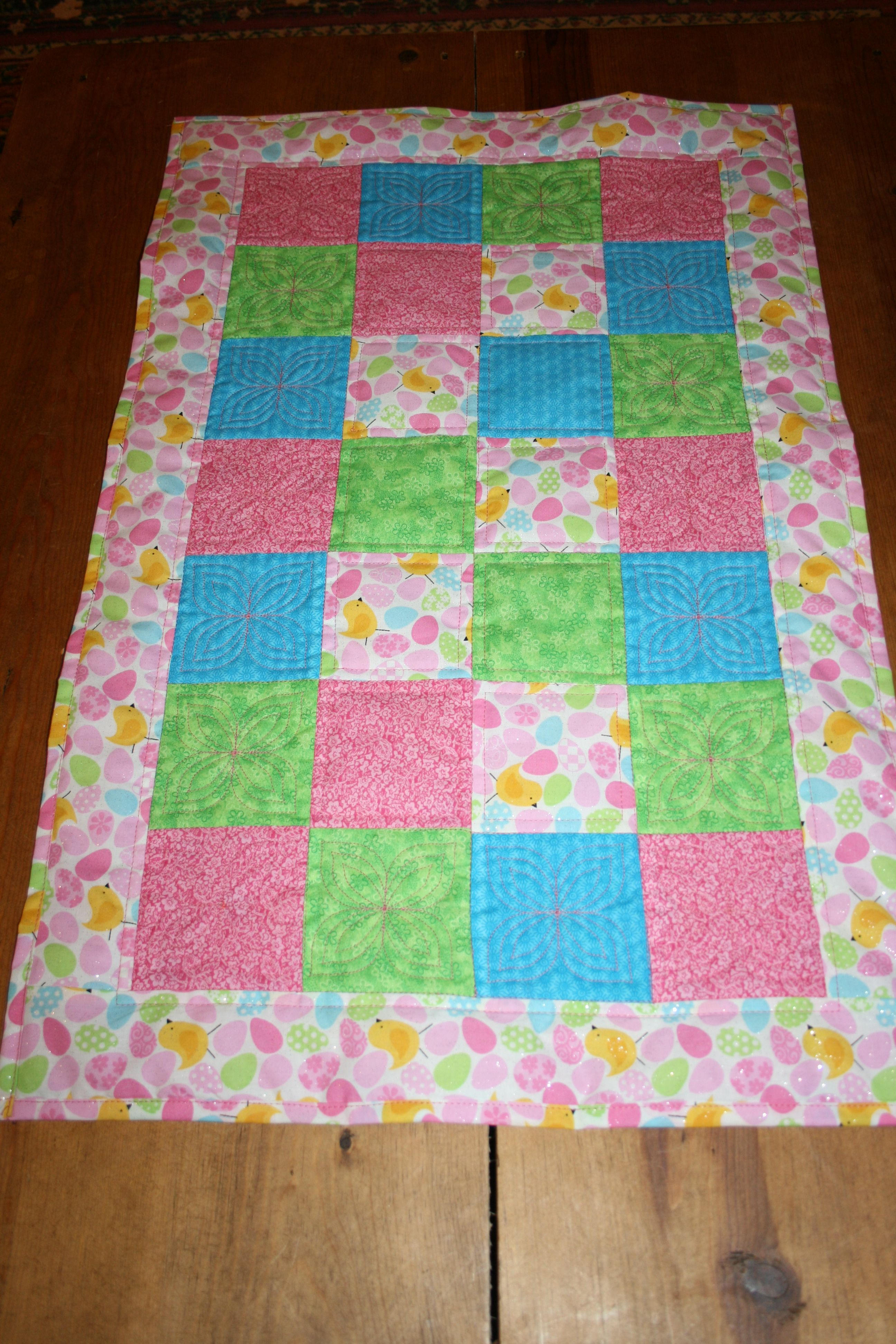 easter table runner mini quilt quilts table runners. Black Bedroom Furniture Sets. Home Design Ideas