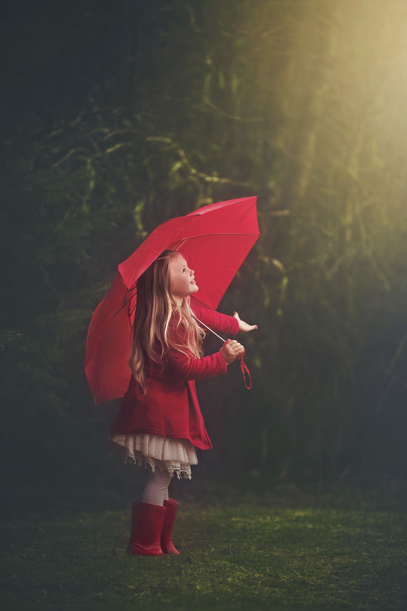 Little girl. A break in the weather! by Ashley Campbell on 500px