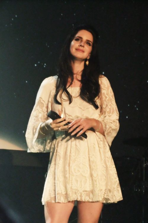 Lana Del Rey in Dublin (2nd show) #LDR #Paradise_Tour 2013 #lanadelreyaesthetic