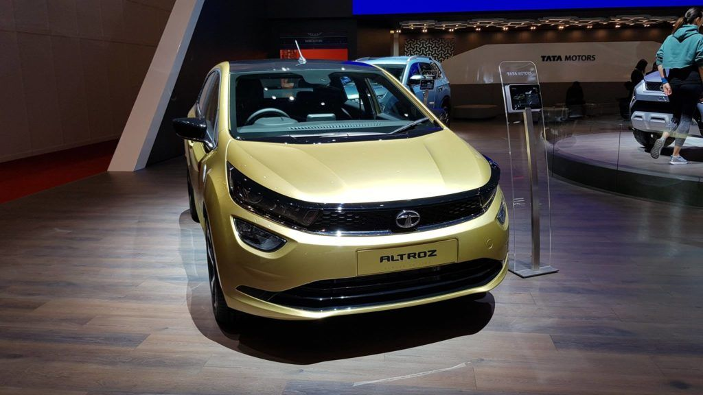 Tata Altroz On Road Price Features And Mileage In 2020 Tata Mileage