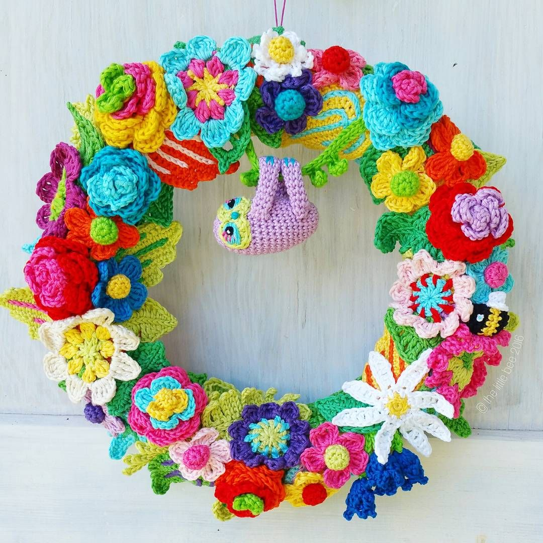 Summer Christmas Wreath with Finger Sloth by The Little Bee | 钩编 ...