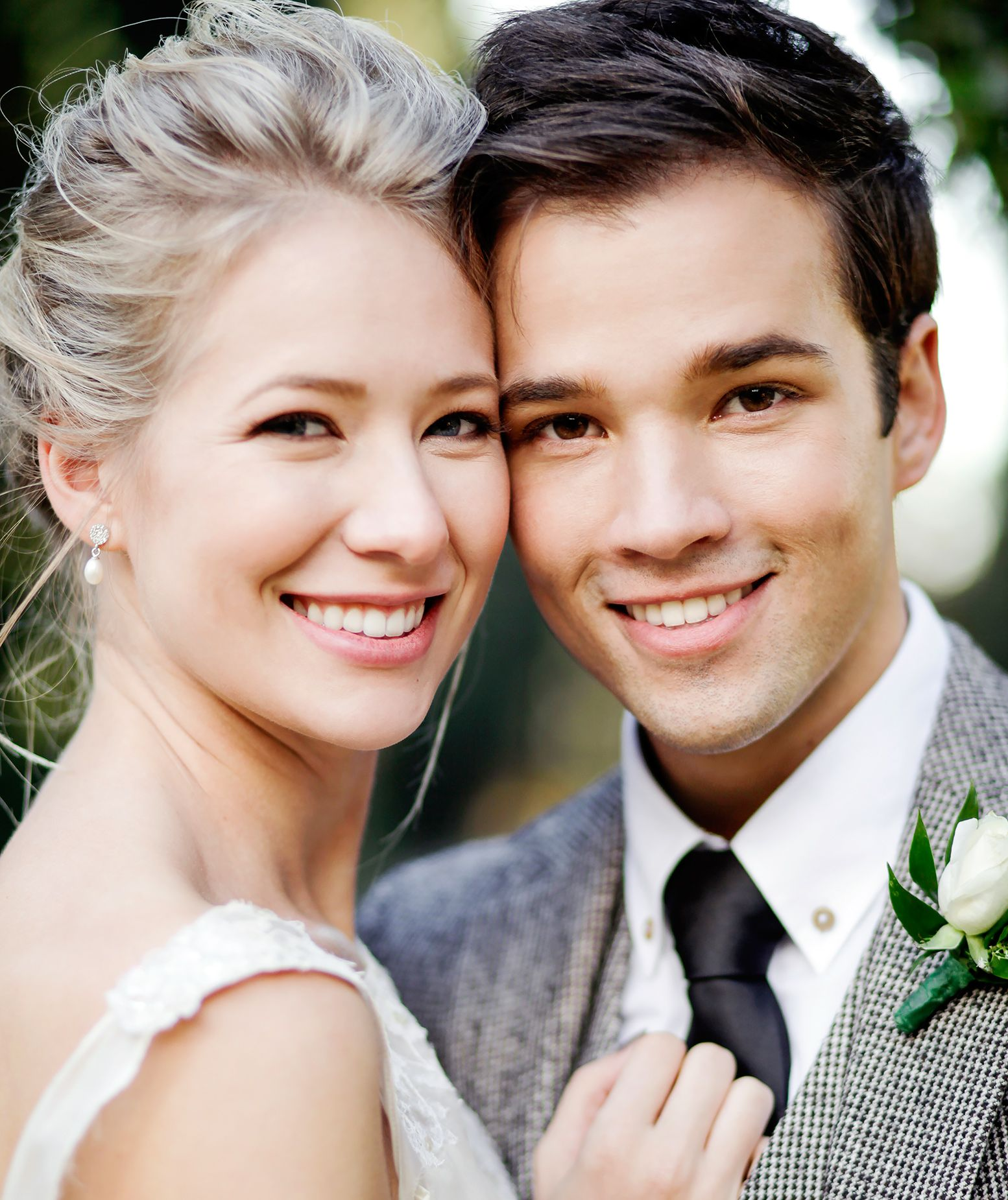 London Elise Moore And Nathan Kress Wedding Pictures 2015 Nathan Kress Wedding Celebrities Celebrity Trends