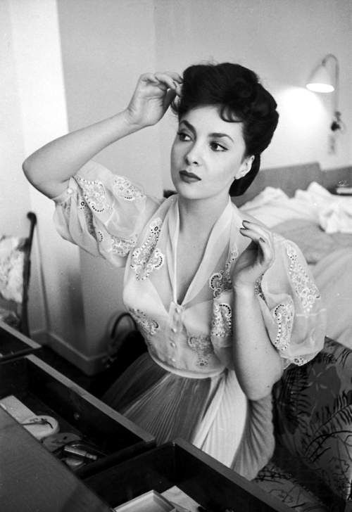 Gina Lollobrigida 1950s Italian Actress