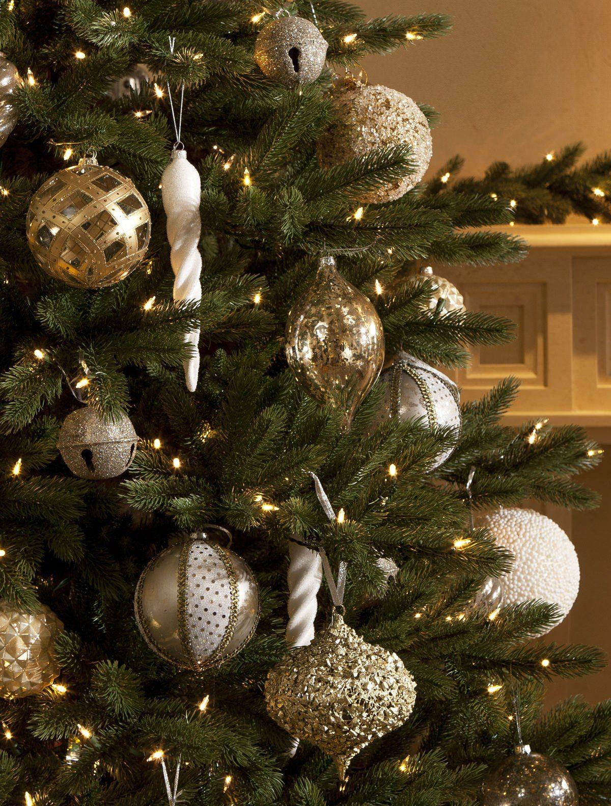 Castle Peak Pine - Christmas Tree Decorating Ideas