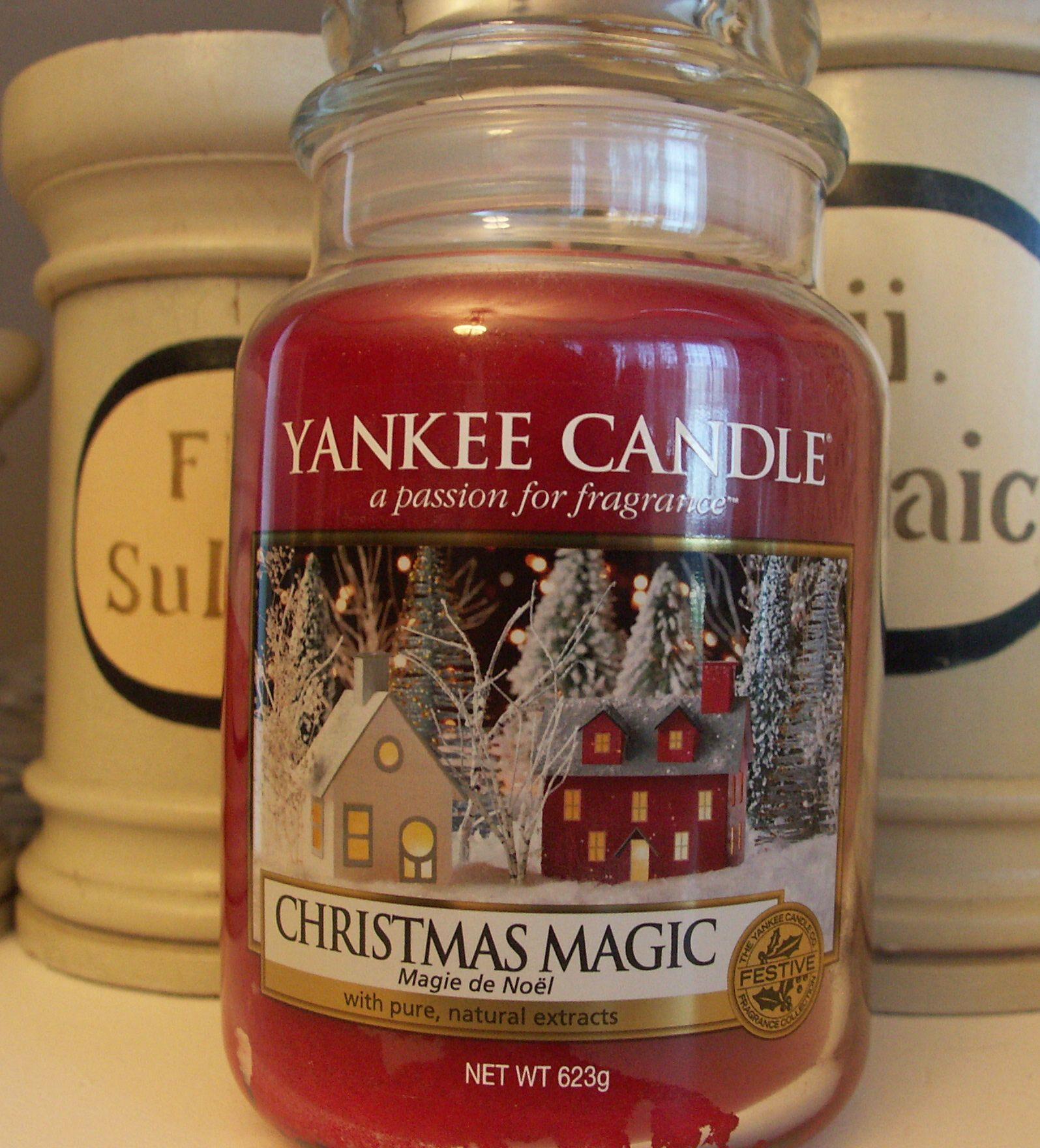 Yankee Candle Christmas Magic In 2020 Yankee Candle Christmas Yankee Candle Candles