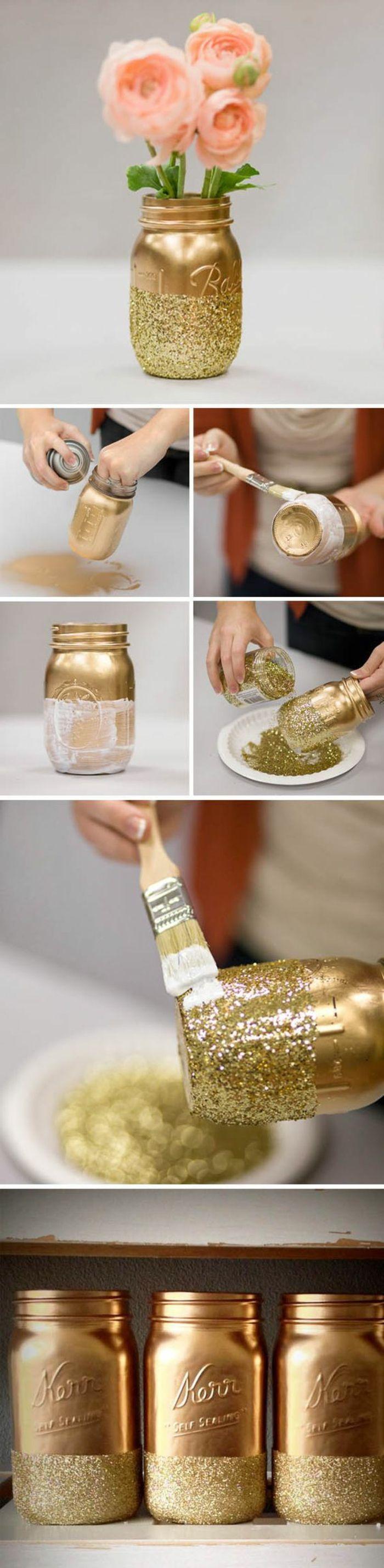 tischdeko selber machen vase aus einmachglas dekoriert mit goldener sprayfarbe und glitzer. Black Bedroom Furniture Sets. Home Design Ideas