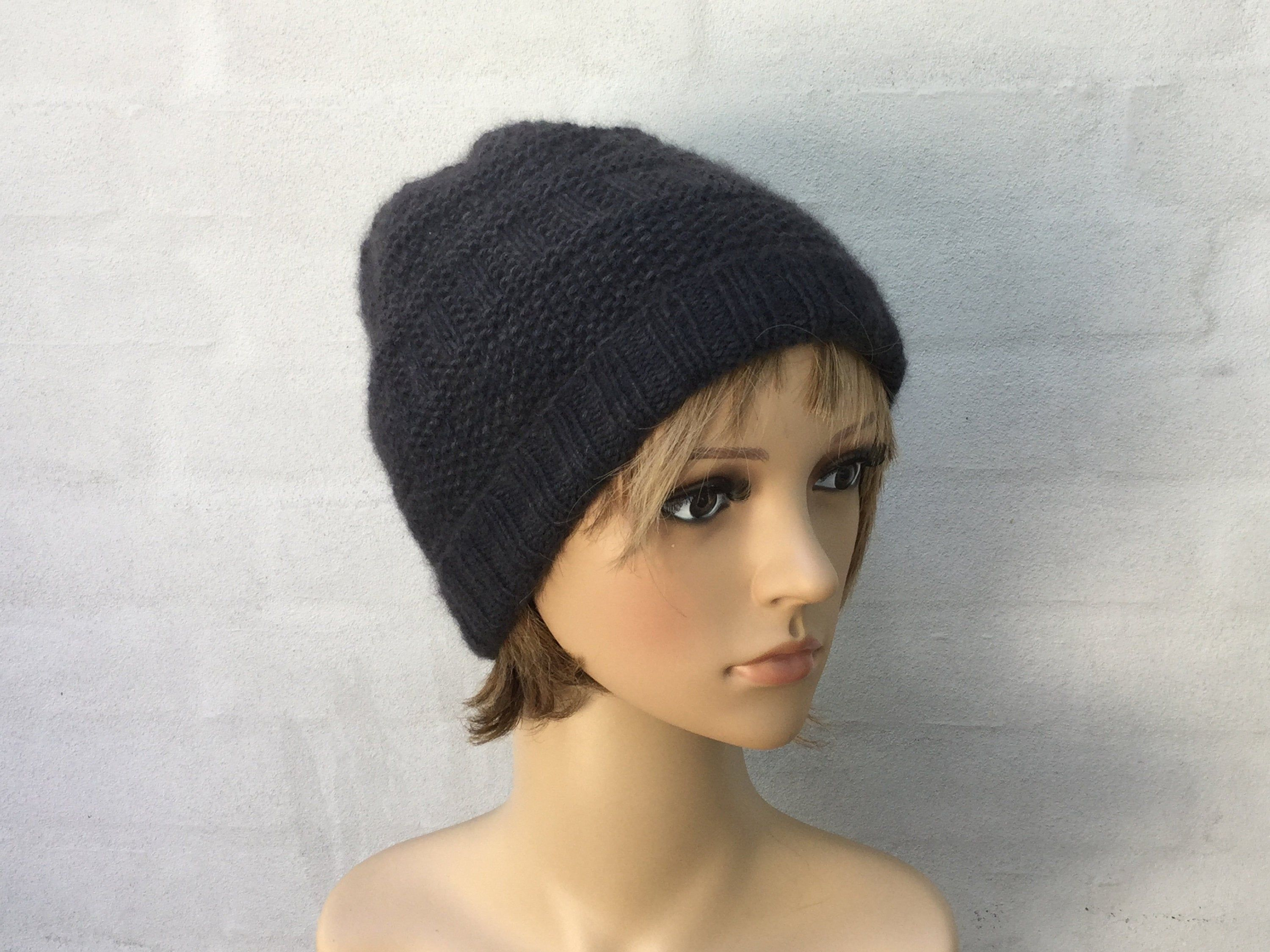 Hand knitted beanie knitted with pure QIVIUT and pure angora