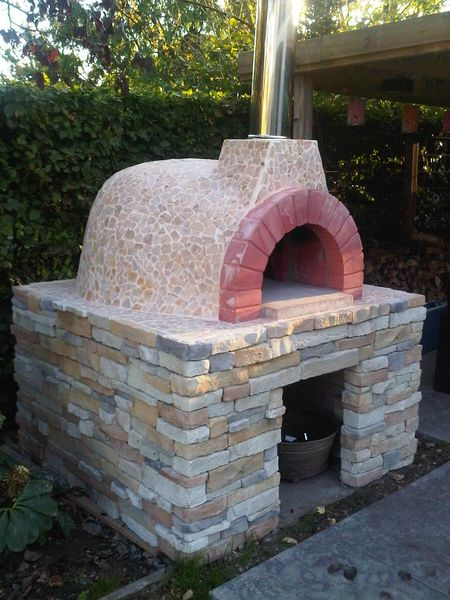 Great traditional Italian Fornino wood-fired brick oven PIZZA OVEN - comment construire une maison en brique