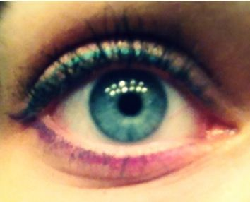 Turquoise and Violet eyeliner <3