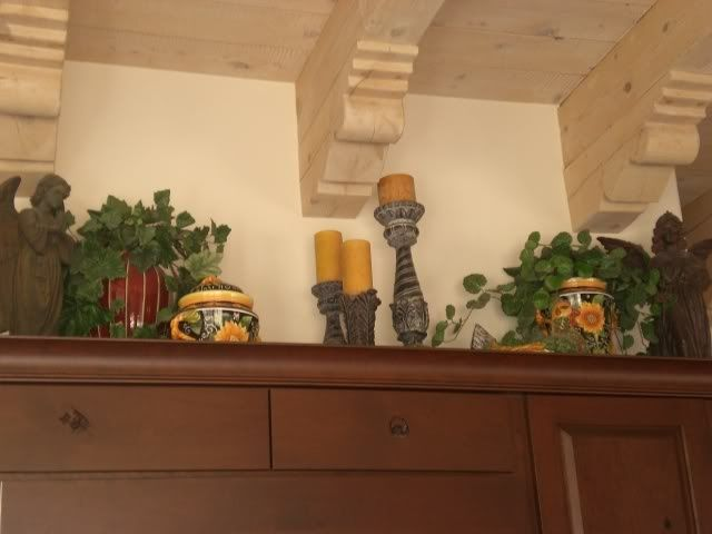 Decorating Above Kitchen Cabinets Tuscany Decor Above Kitchen Cabinets For The House