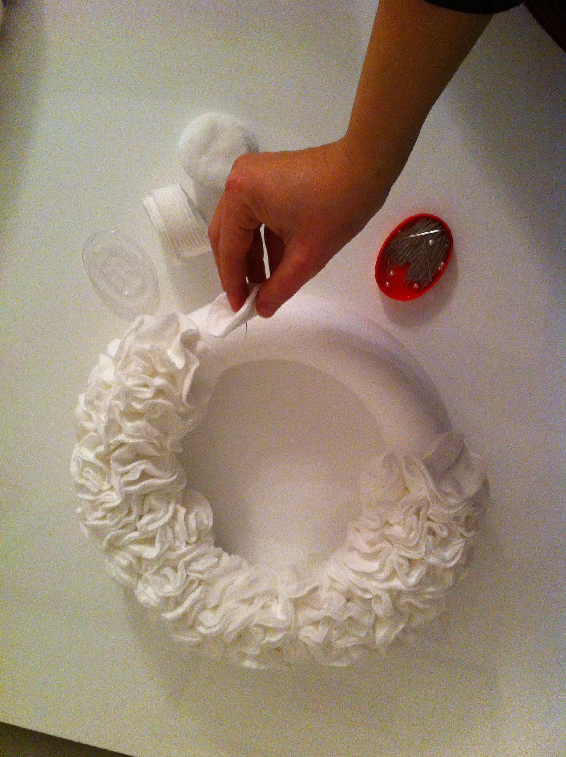 Ghirlanda bianca servono spilli corona in polistirolo e - Porta dischetti struccanti ...