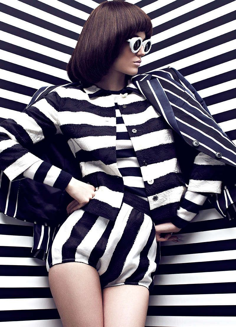 Graphic Patterned Fashion : Fashion Magazine 'High Contrast'