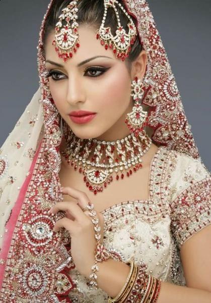 Elegant Red Wedding Dress