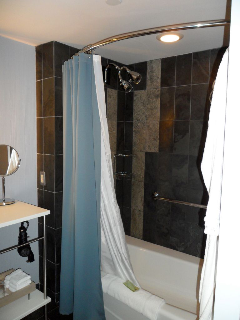 Grand Deluxe Guest Bathroom Therapeutic Spa Shower The