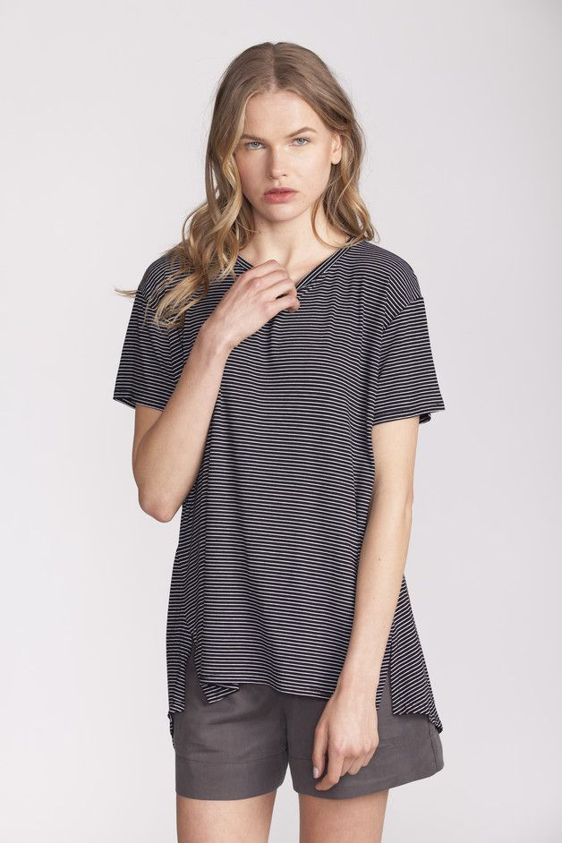 Simple and comfortable Crew Neck T-Shirts – Black Striped T shirt, Tunic top – a unique product by AndyVeEirn via en.DaWanda.com