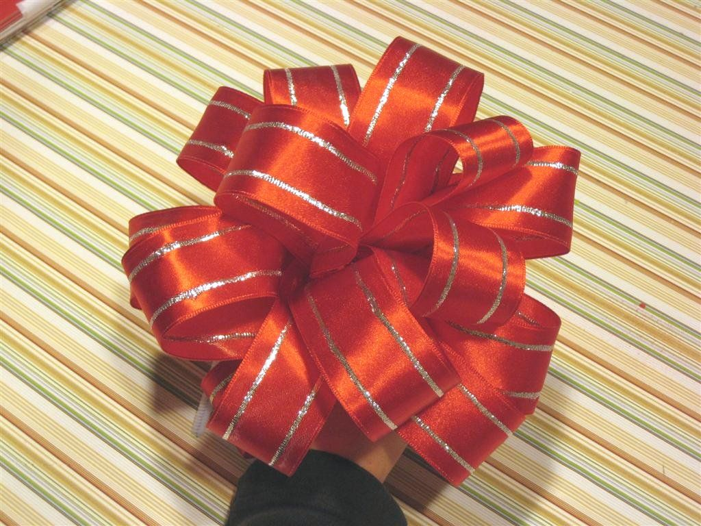 How To Make Pretty Bows For Packages