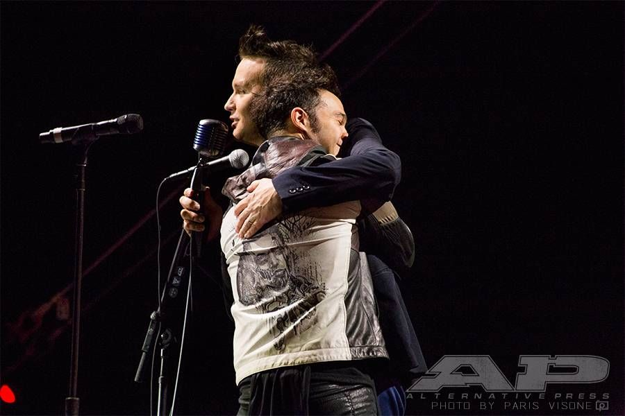 Apmas Moments From The Red Carpet And Show Part 3 Alternative Press In This Moment Ap Music Awards Blink 182