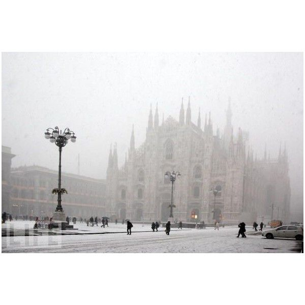 Winter Weather Hits Italy - Photo - LIFE ❤ liked on Polyvore featuring backgrounds, pictures, winter, photos and white