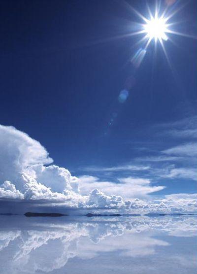 ウユニ塩湖。。絶対行きたい!!!。美しすぎる。