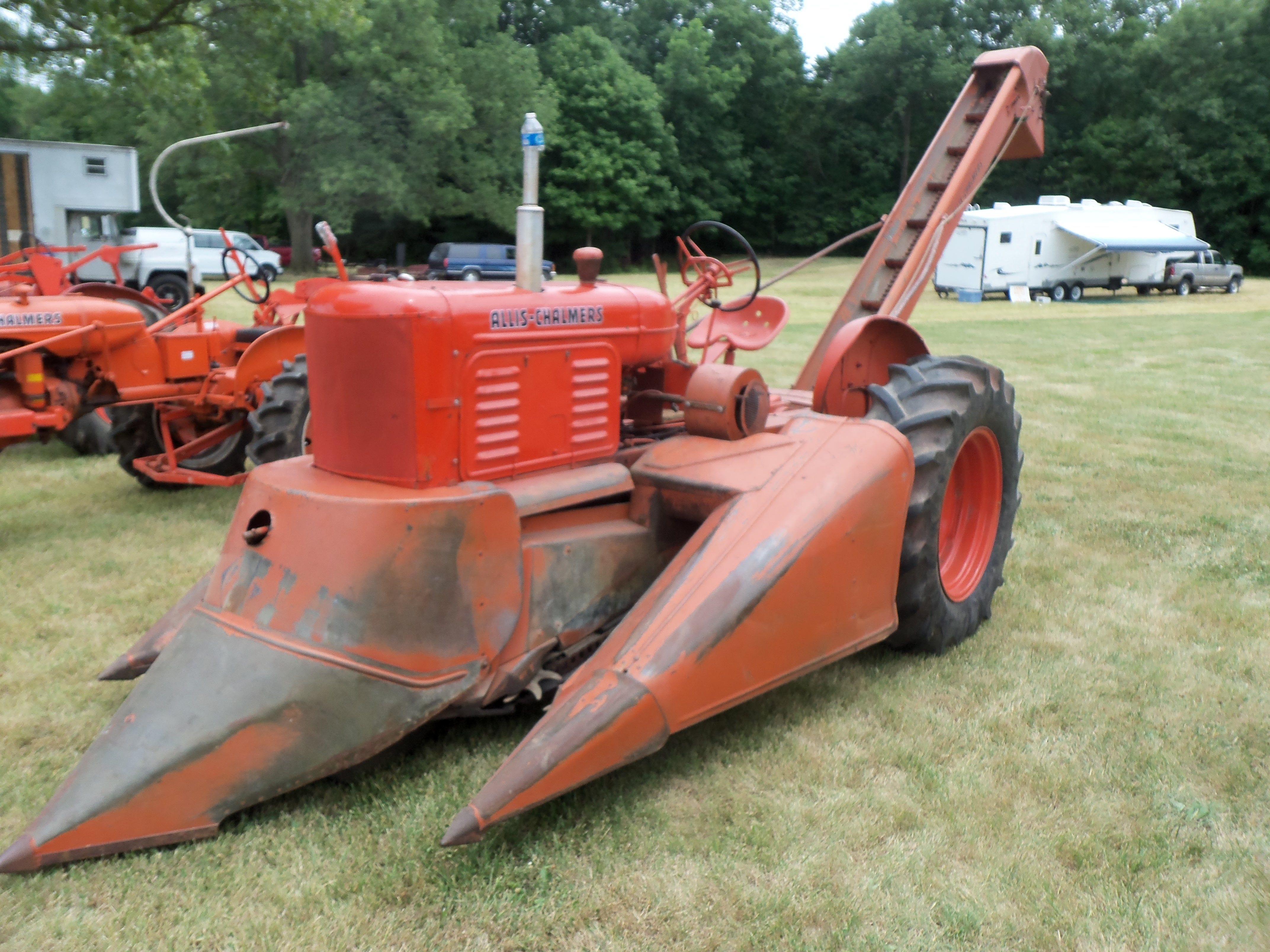 Cartoon Tractor Corn Picker : Tractor with corn picker allis chalmers pinterest