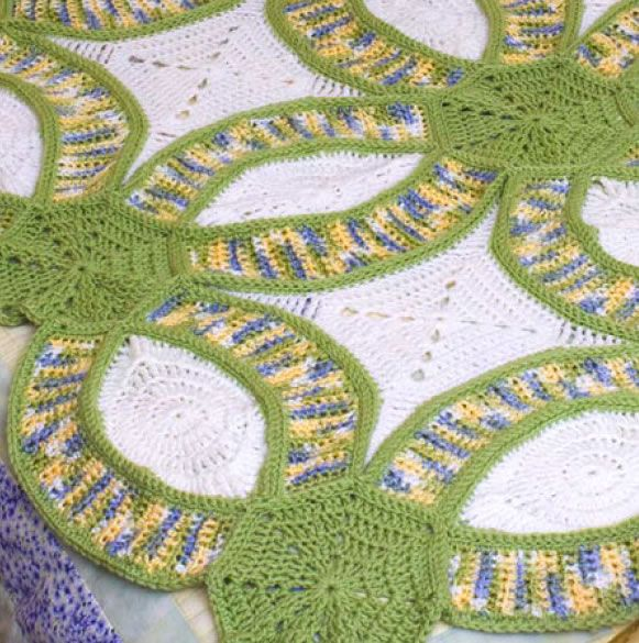 how to crochet version of the double wedding ring quilt from red heart yarn - Wedding Ring Quilt