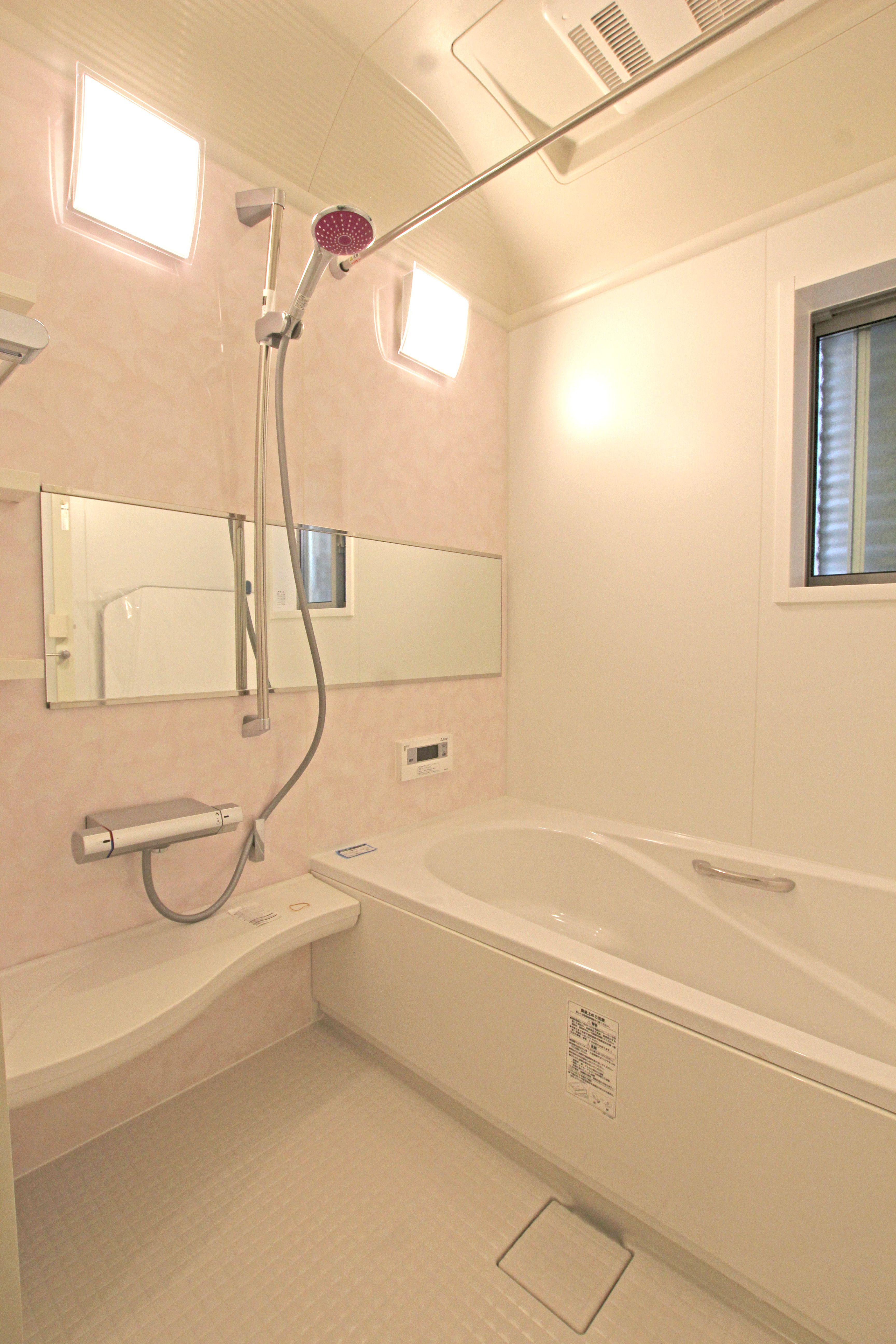 浴室換気暖房乾燥機付きで 天気に左右されずに洗濯ものを干すことが